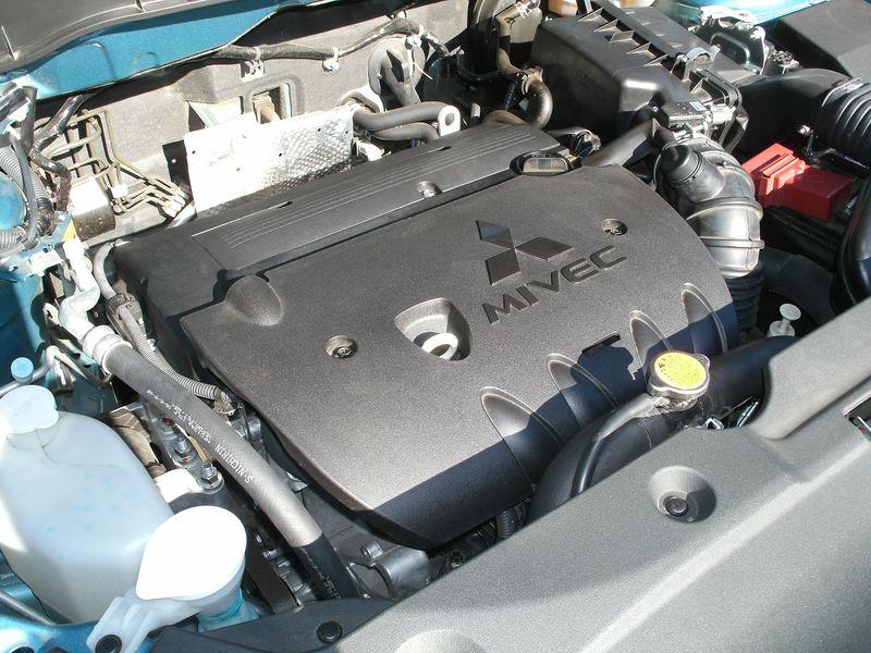 MitsubishiOutlanderS 004