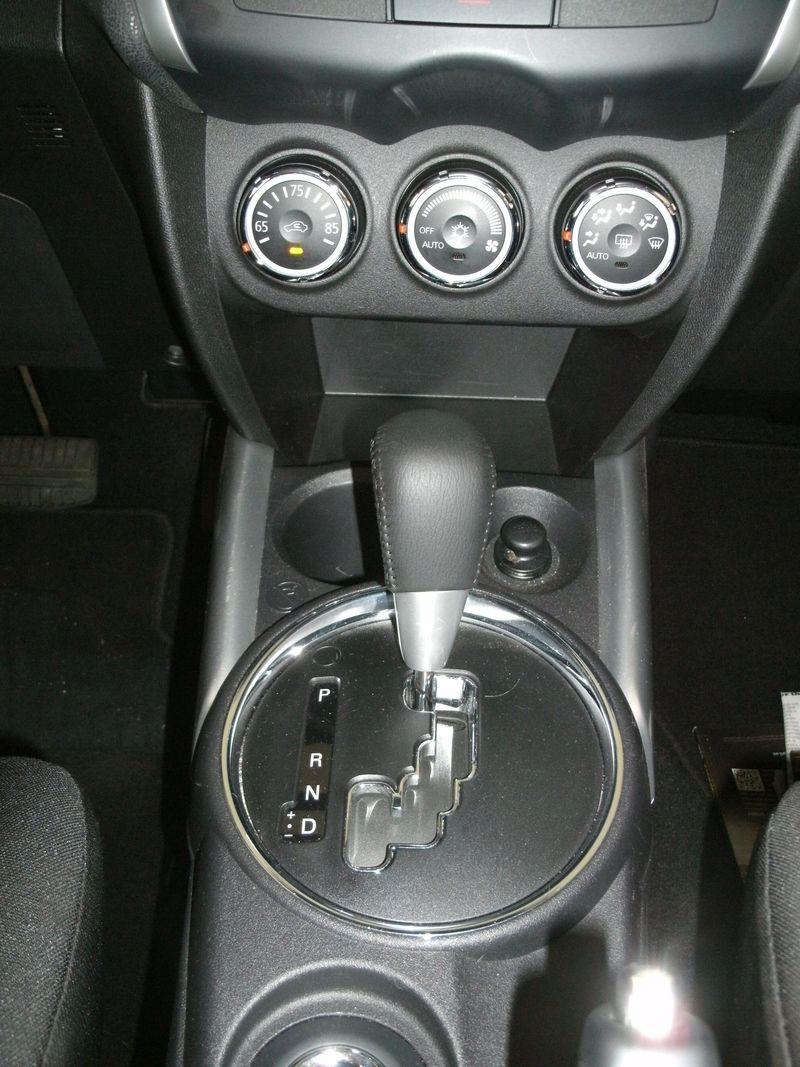 MitsubishiOutlanderS 012